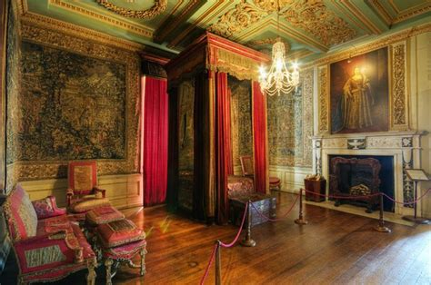 queen anne bedroom queen anne s bedroom warwick castle castles houses