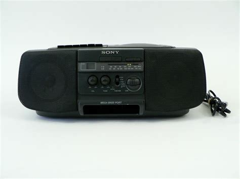 cassette radio player vtg sony boombox cd am fm radio cassette player