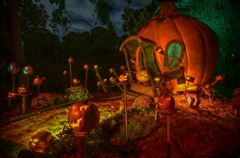 Halloween Decorated Homes by 5 Best Halloween Happenings In The Us Minitime
