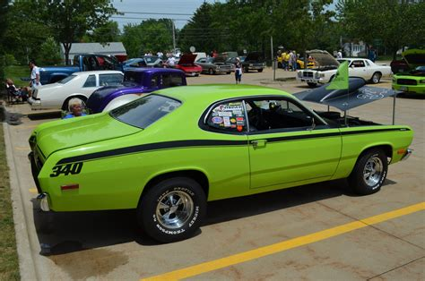 plymouth shows photo gallery summit racing s 2012 all mopar show