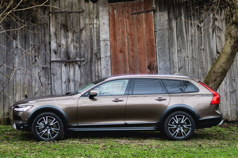 volvo  cross country  brown   home claveys corner