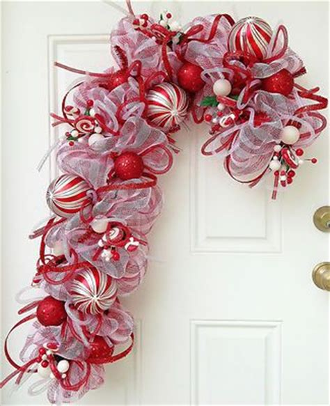 how do deco last deco mesh wreath last one left canes