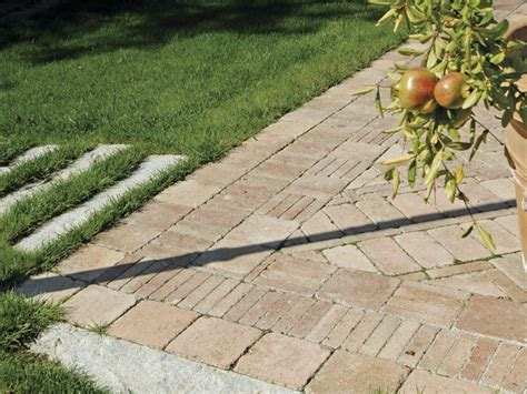 pavimento da giardino prezzi pavimenti autobloccanti da giardino pavimentazioni