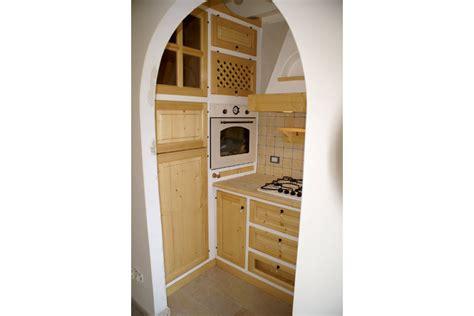 mobili abete naturale cucina in finta muratura in abete color naturale pp
