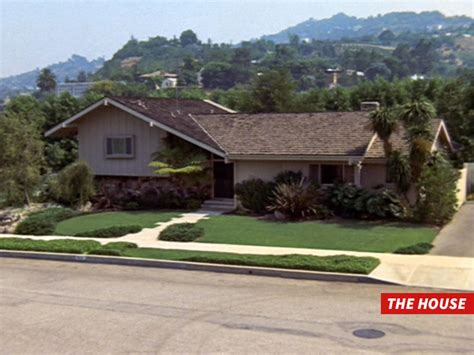 The Brady Bunch House Broken Into By Crooks Tmz Com | the brady bunch house broken into by crooks tmz com