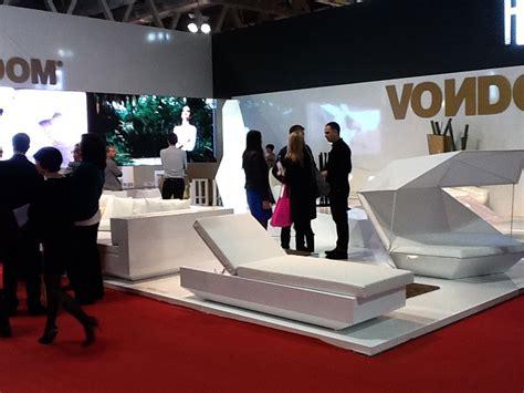 stand del mueble vondom en la feria isaloni mobile milano 2012
