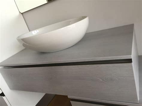 verniciatura vasca da bagno rismaltatura vasca da bagno come ritinteggiare una vasca