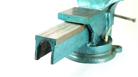 youtube bench klutch heavy duty bench vise 9in jaw width bench vises soapp culture