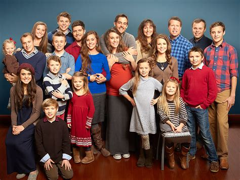 tlc pulls 19 kids and counting citing heartbreaking tlc pulls duggar family series amid misconduct reports