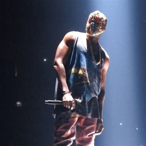 sheck wes brother crazy kanye west kicks female fan out of his concert