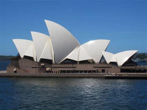 sydney opera house the tourist destination with the best 5 tourist spots to enjoy in sydney distrita