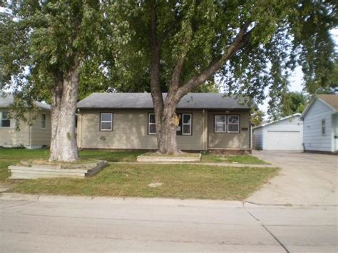 Overhead Door Grand Island Grand Island Ne 68803 Yp 1011 S Lincoln Ave Grand Island Ne 68801 Reo Home Details Reo Properties And Bank Owned