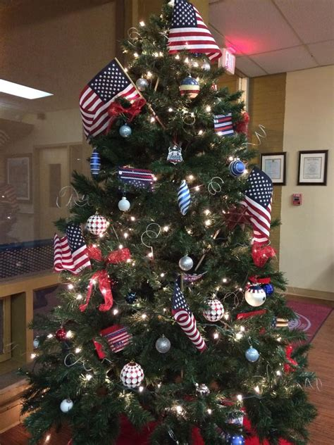 christmas tree salute    patriotic christmas trees   merry list  veterans