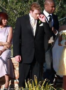 Wedding Altar Flowers Twilight Actor Kellan Lutz Takes Girlfriend Annalynne Mccord To Brother S Wedding Daily Mail