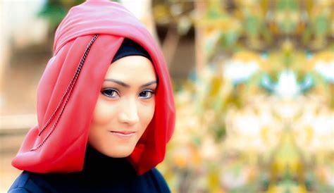 tutorial hijab paris bisikan com tutorial hijab paris untuk pesta yang unik dan anggun