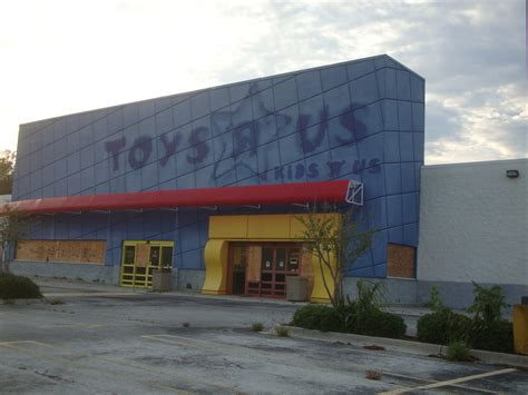 toys r us warwick ri hours abandoned toys r us i noticed this abandoned