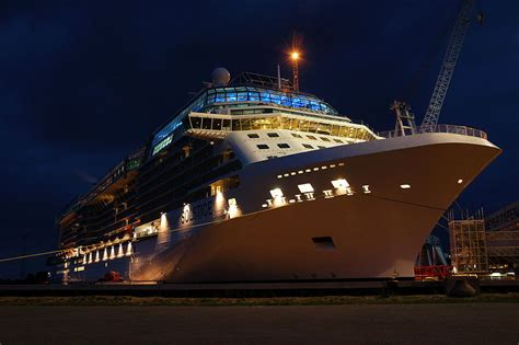 celebrity equinox wiki file celebrity solstice at night jpg wikimedia commons
