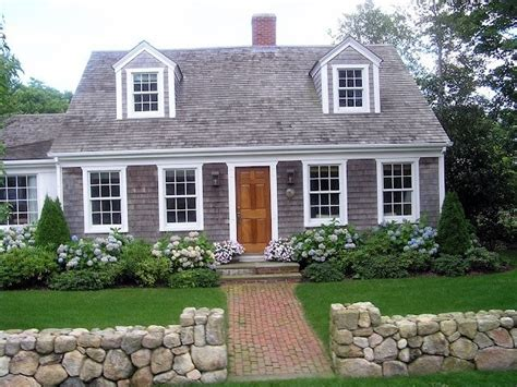 74 best cape cod homes images on pinterest small house 12 best entryway portico images on pinterest cape cod