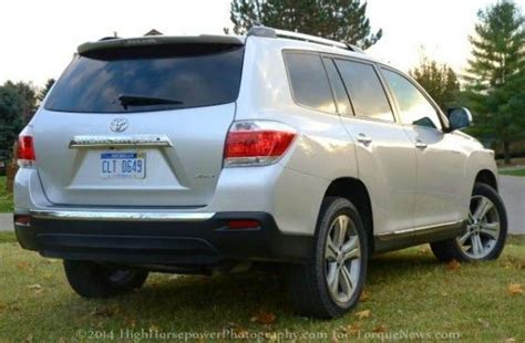 2013 Toyota Highlander Limited V6 by The Rear End Of The 2013 Toyota Highlander Limited V6 Awd