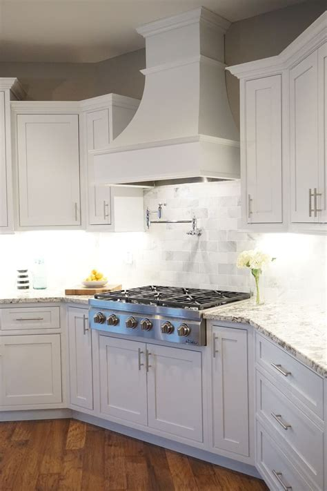 Kitchen Cabinet Range Hood Design | best 25 kitchen hoods ideas on pinterest kitchen hood