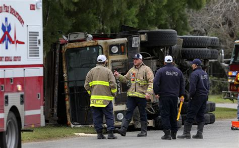Truck Attorney San Antonio 5 by Garbage Truck Overturns San Antonio Express News