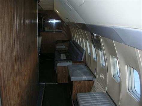 air force one interior inside airforce one www imgkid com the image kid has it