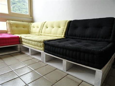 europaletten sofa diy sofas aus europaletten auflagen bequem schwarz gelbjpg
