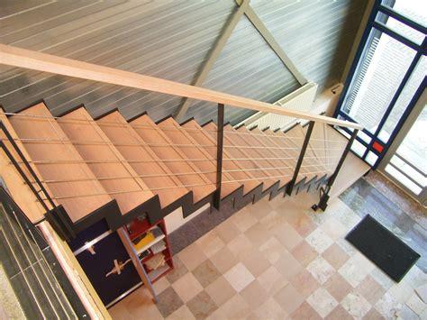 spiltrap eiken rechte trap eiken treden in showroom trappenkopen nl