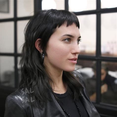 edgy mullet hairstyles women s modern shaggy mullet with fringe and choppy bangs