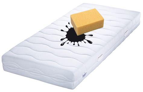 blutflecken aus matratze entfernen flecken aus matratzen entfernen matratzenlexikon