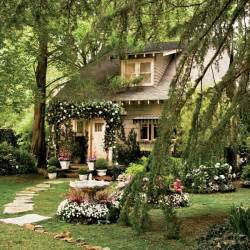 Scottage Cottages The Sets From Baz Luhrmann S Quot Great Gatsby Quot Including Nick