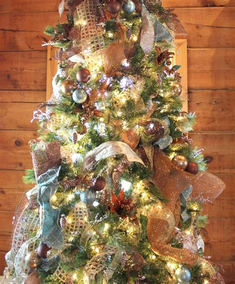 log cabin main christmas tree