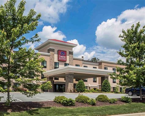comfort suites greensboro north carolina comfort suites whitsett greensboro east whitsett north