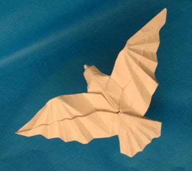 Flying Origami - best 25 origami birds ideas on