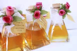 Ideas on unique wedding favors