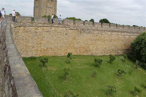 curtain wall castle facts original file 5 184 215 3 456 pixels file size 9 26 mb