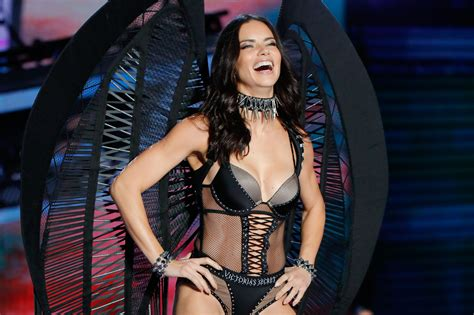 Get Bootylicious At Victorias Secret by What S Secret Models Really Eat When They Get