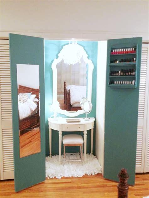 Closet Vanity Ideas by Best 25 Vanity In Closet Ideas On