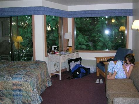 lakeside bedrooms lakeside room picture of lake quinault lodge quinault