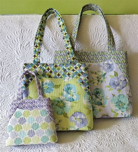 Handmade Bag Patterns - tote bag pattern for a spacious bag with front pocket