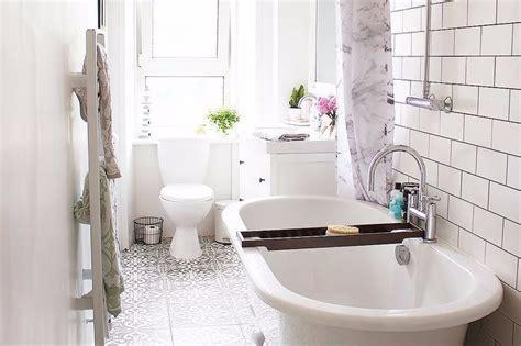 desain  buat kamar mandi ukuran    terlihat luas
