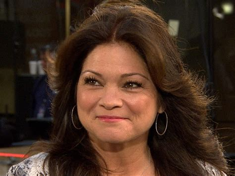hair styles actresses from hot in cleveland valerie bertinelli calls hot in cleveland s mary tyler