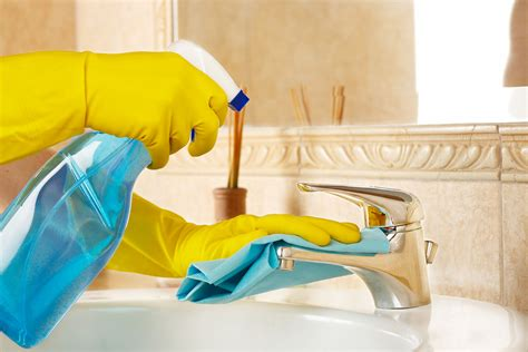 to clean the bathroom how to clean your bathroom in 9 easy steps