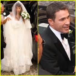 elisabetta canalis wedding dress lauren graham on alexis bledel s engagement to vincent