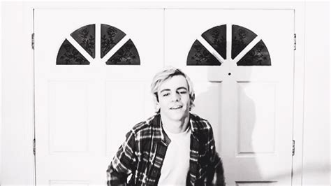 ross lynch fan club fansite with photos videos and more ross lynch fan club