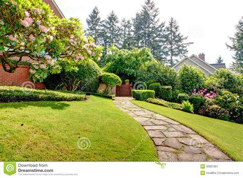 casa nord giardino e via della primavera vicino alla casa nord