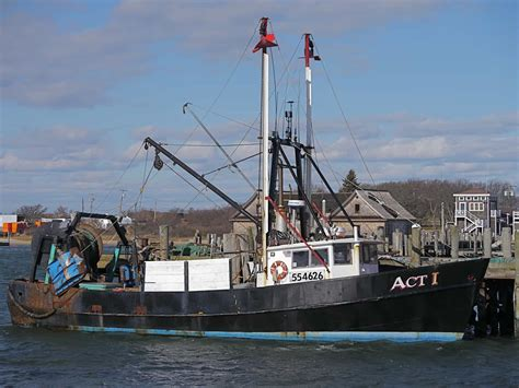 boat us pictures long island some montauk commercial fishing vessels catamaran mon