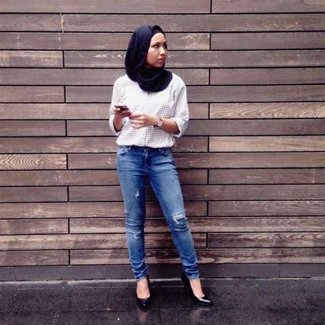 Celana Putih Cocok Dengan Baju Warna Apa siapa bilang cewek berhijab nggak bisa pakai celana sobek sobek gini nih caranya