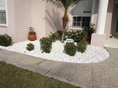 beautiful white stones landscaping bistrodre porch and