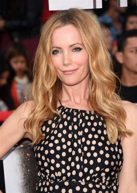 leslie mann short hair leslie mann long wavy cut leslie mann hair looks